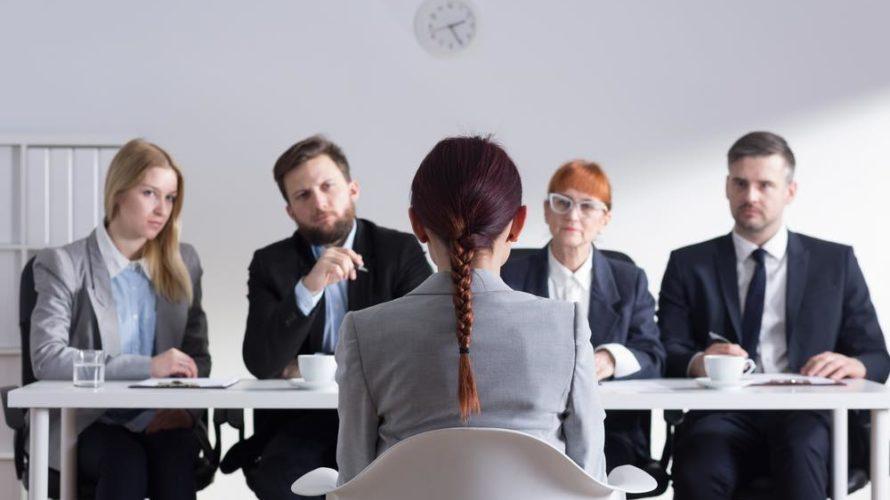 既卒が新卒 に 混じっ て就職活動するのはやめた方がいい理由